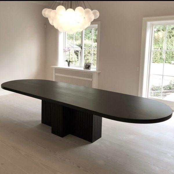 sort træbord (ovalt)
